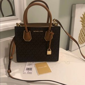 Michael Kors purse/ crossbody